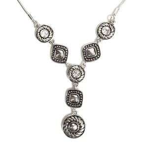 Jewelry - Gorgeous silver tone necklace with faux diamonds